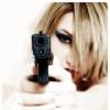 Блондинка с пистолетом