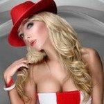 Супер блондинка в шляпе