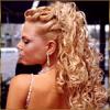 Модельная блондинка