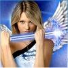 Девушка ангел с мечом